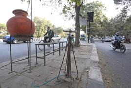 Delhi's matka and pump man