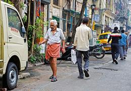Barefoot historian says good bye to Kolkata's streets