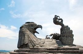 Bird in stone! Jatayu is  world's biggest sculpture